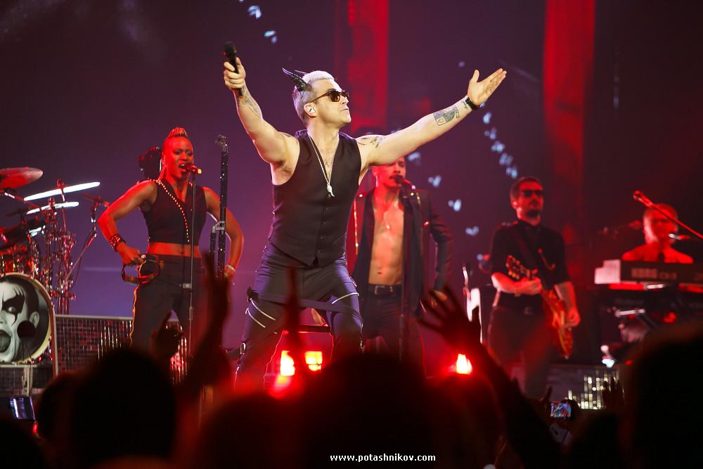 Фотографии с концерта Робби Уильямса в Минске. Photos from concert Robbie Williams in Minsk