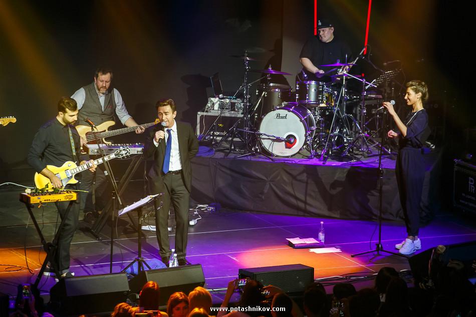 Фотографии с концерта Ивана Урганта (Гриши Урганта) и Валерия Сюткина экс солиста Браво в Минске