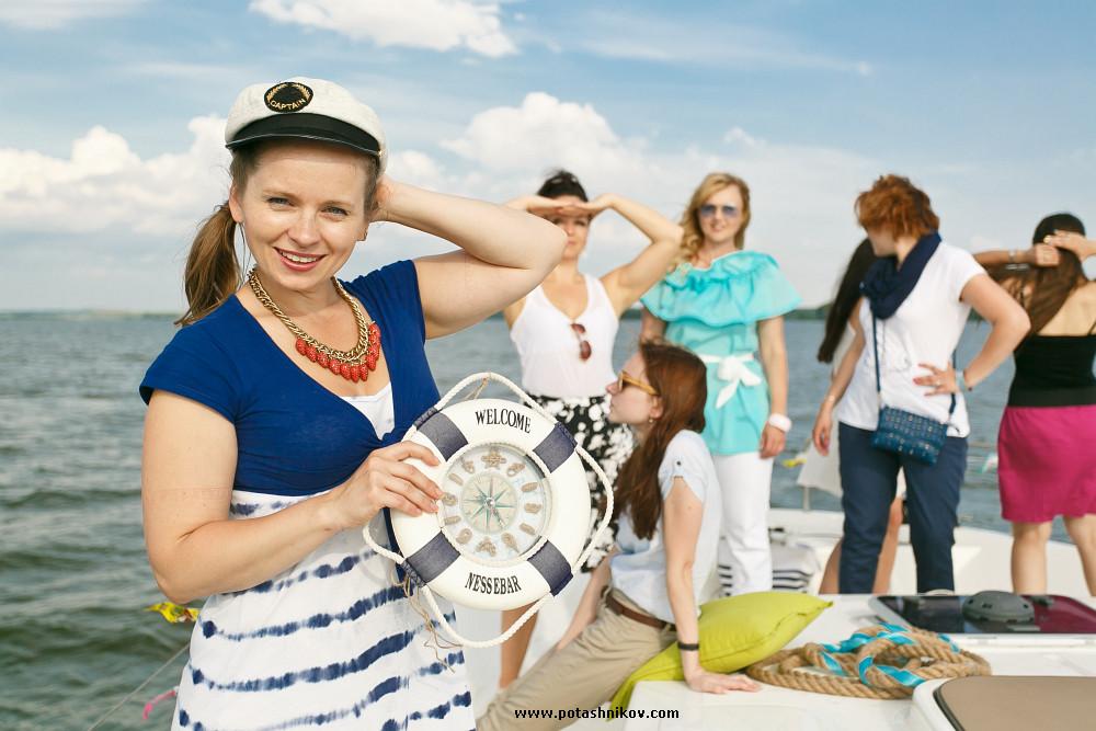 Презентация новой самой большой яхты на Минском море возле клуба Robinson для отдыха и съемок