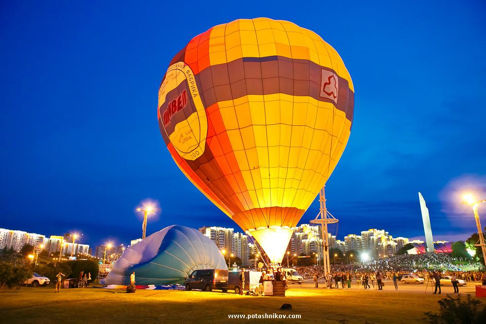 Ночное свечение шаров в Минске фотографии. Международный кубок по воздухоплаванию Мирное небо