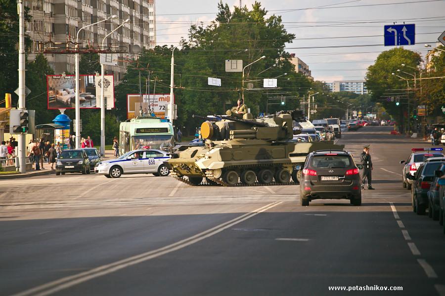 Это не война в Украине! в Минске готовятся ко дню независимости! Прощай асфальт, привет пробки!? Нужен ли вам военный парад с танками?