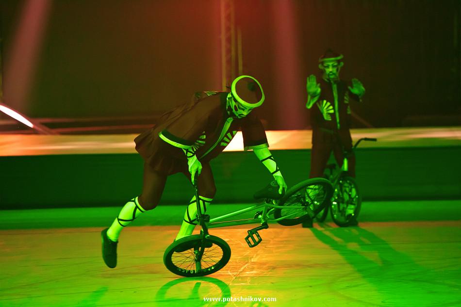 фотографии шоу кукла цирк братьев запашных дю солей выступление