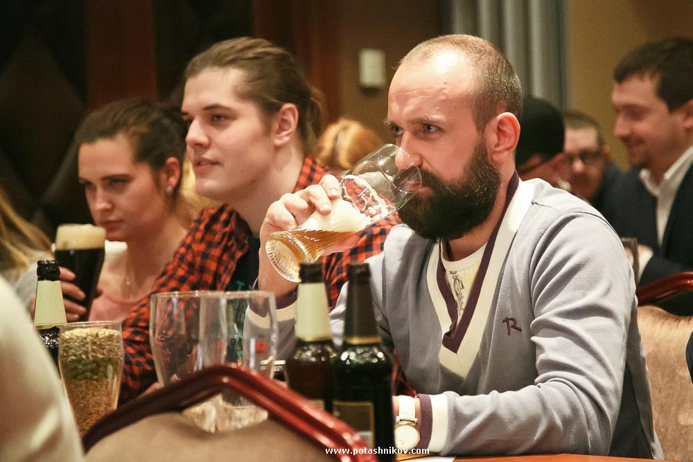 Пивовары из Лиды сварили настоящее пшеничное пиво по уникальной для белорусских пивоваренных компаний технологии! Белорусский республиканский конкурс среди профессиональных барменов LIDSKOE BEER MASTER 2016