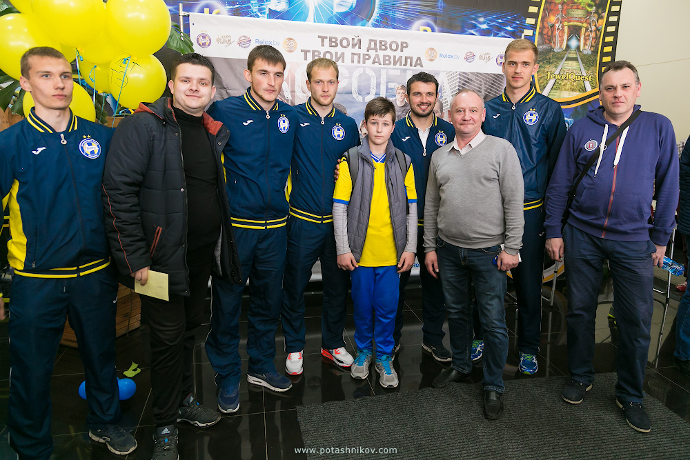 Фотографии Борисов-Арены с высоты птичьего полета и история о том, как мы вместе с футбольной командой БАТЭ смотрели фильм Коробка