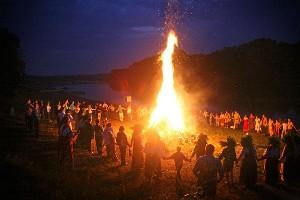 pic-K-U-Kupalo festival bonfire rituals