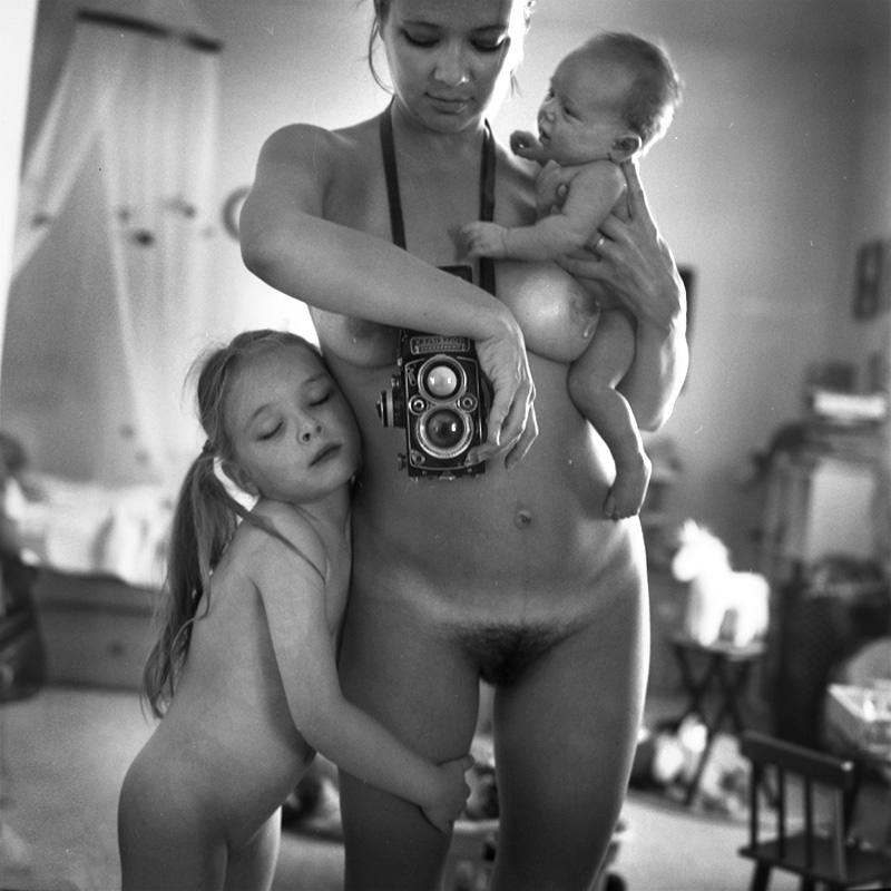 Обнаженные Маленькие Дочки