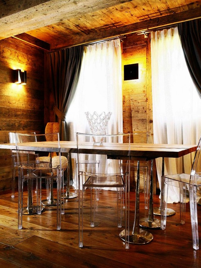 Rustic-Home-Cortina-dAmpezzo-Italy-Dining-Table-Clear-Chairs