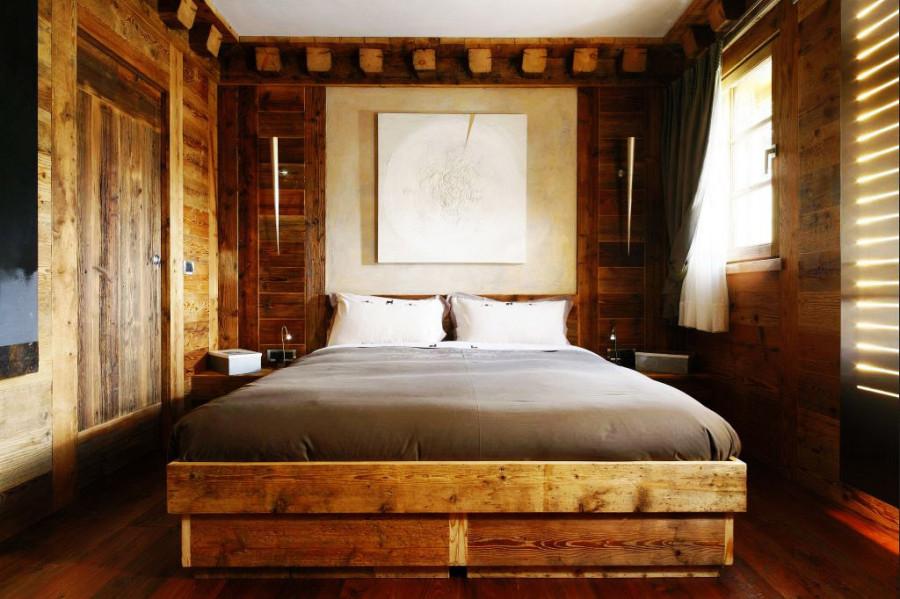 Rustic-Home-Cortina-dAmpezzo-Italy-Bedroom-1