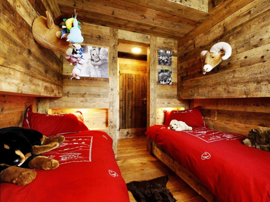 Rustic-Home-Cortina-dAmpezzo-Italy-Bedroom-2