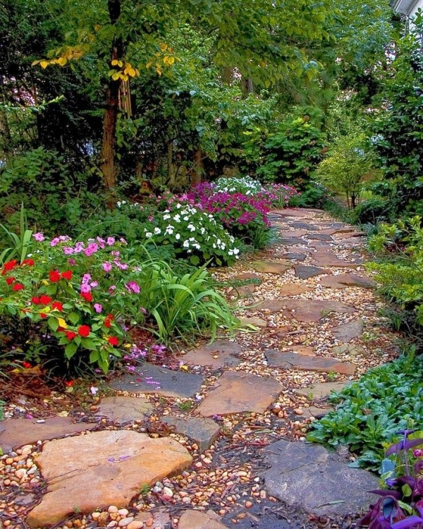 natural-and-creative-garden-paths-1