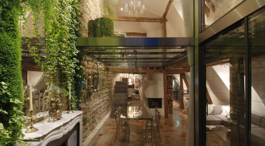 Apartment-Paris-France-Courtyard-View-Evening