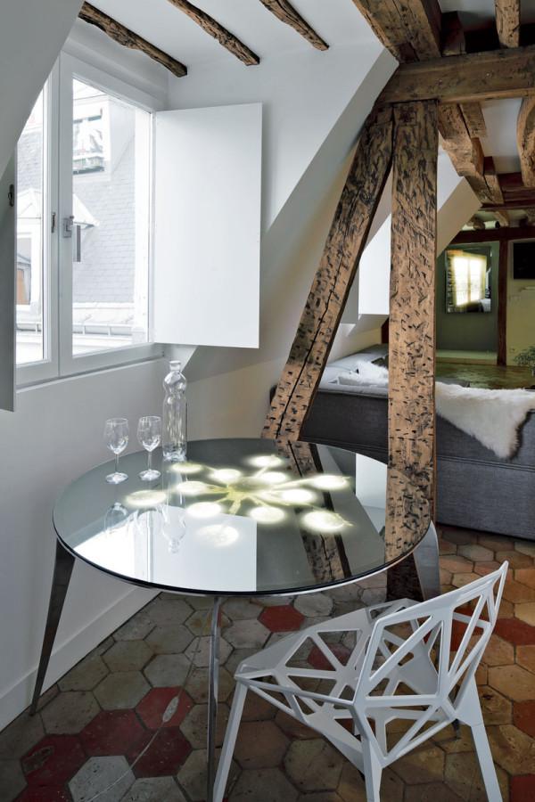 Apartment-Paris-France-Table
