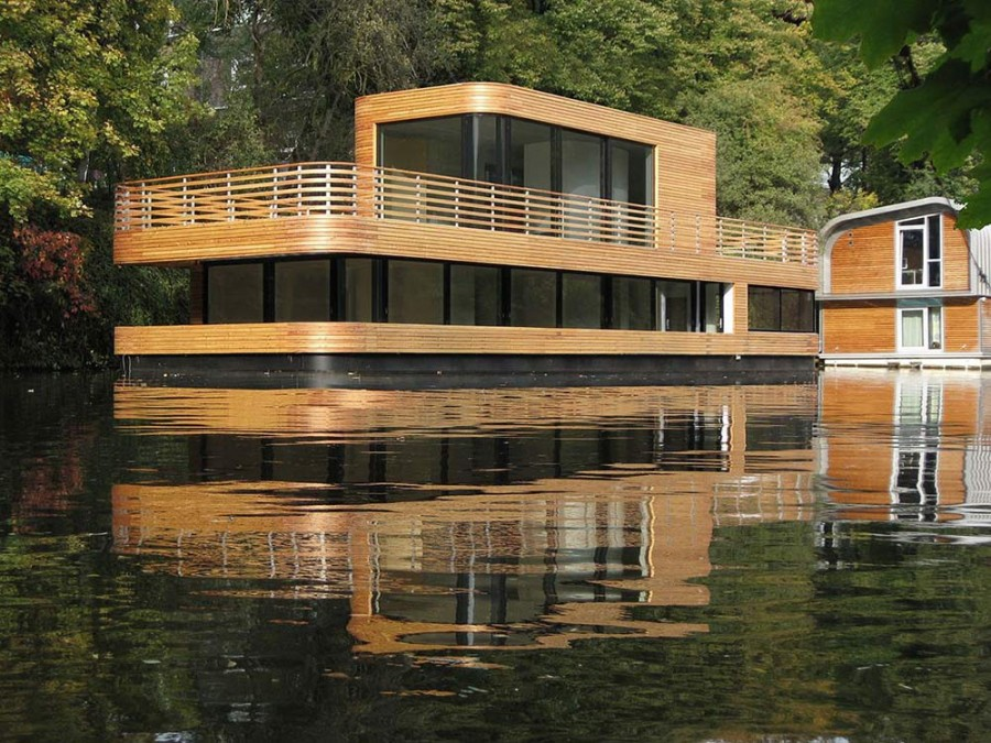 Houseboat-Eilbek-Canal-View-1