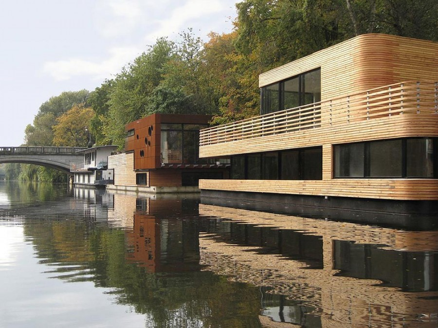 Houseboat-Eilbek-Canal-View