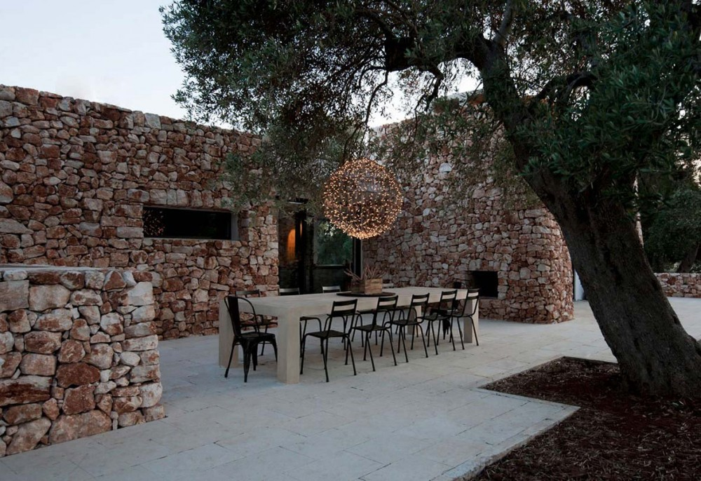 Italian-House-Olive-Trees-Outdoor-Dining