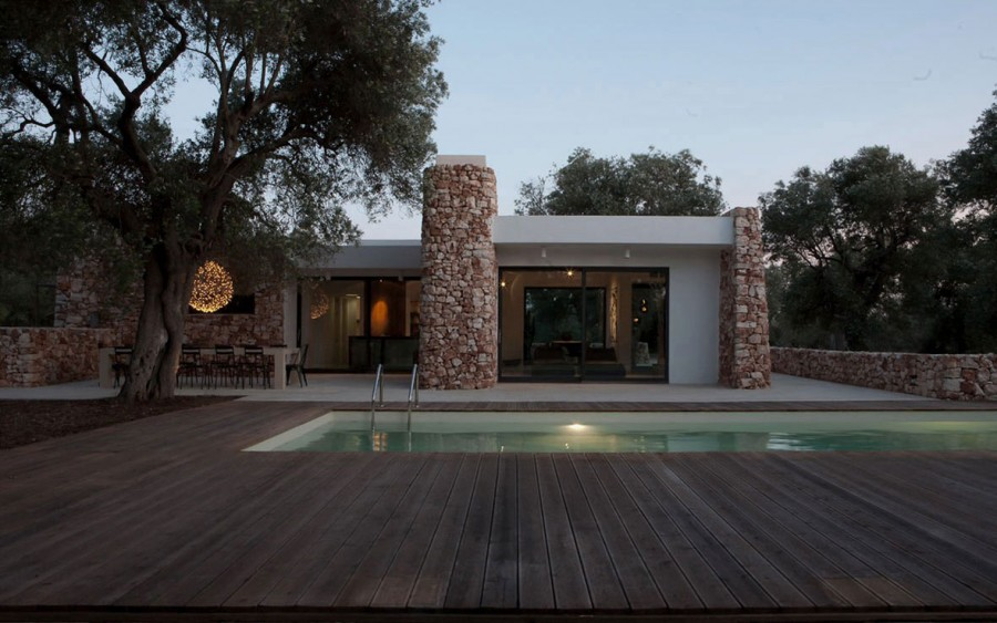 Italian-House-Olive-Trees-Outdoor-Pool