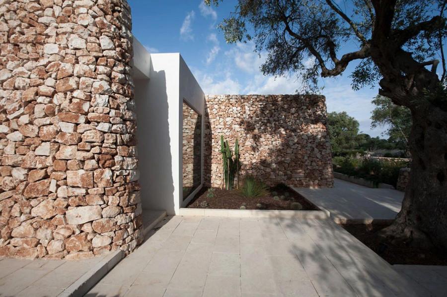 Italian-House-Olive-Trees-Terrace-1