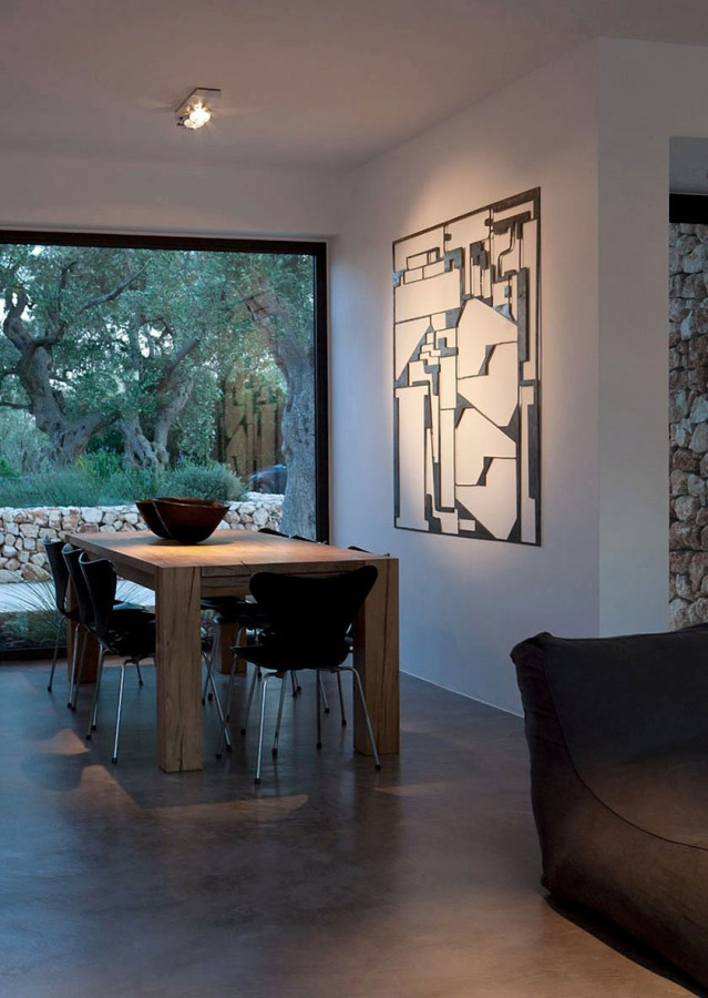 Italian-House-Olive-Trees-Wooden-Dining-Table