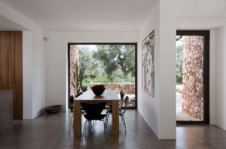 Italian-House-Olive-Trees-Dining-Space