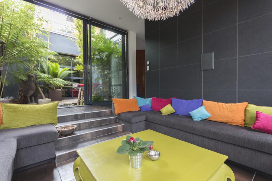 super-modern-sofa-600x400