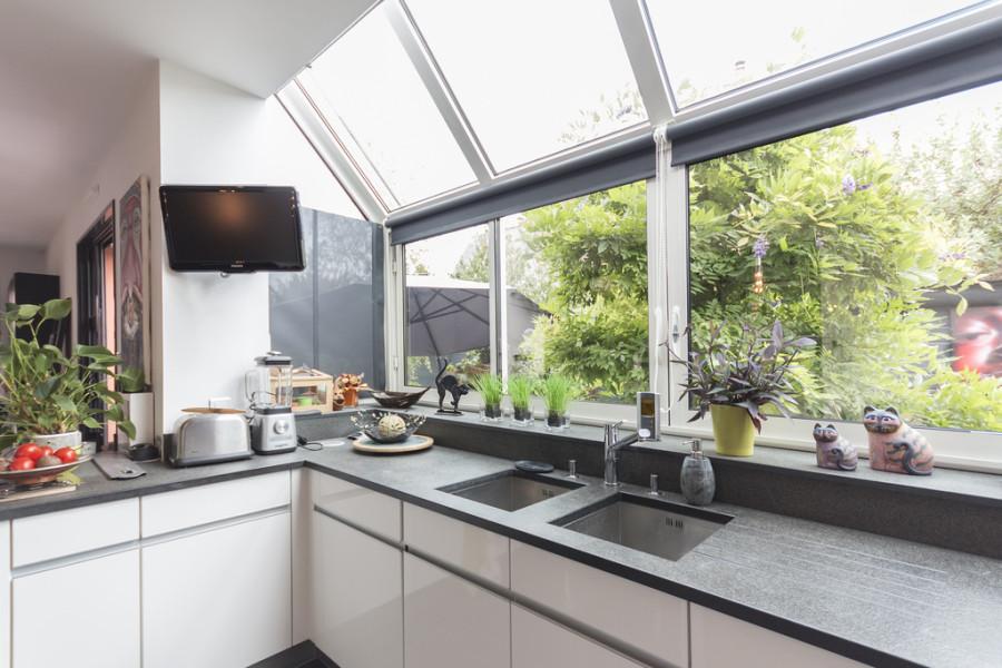 super-sunny-kitchen-600x400