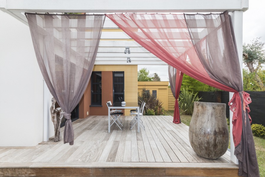 pretty-outdoor-curtains