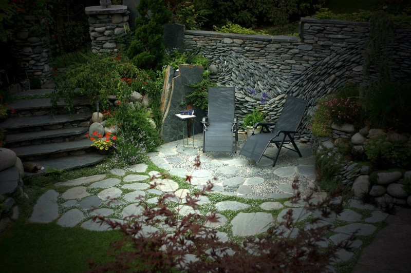 secluded-stone-patio