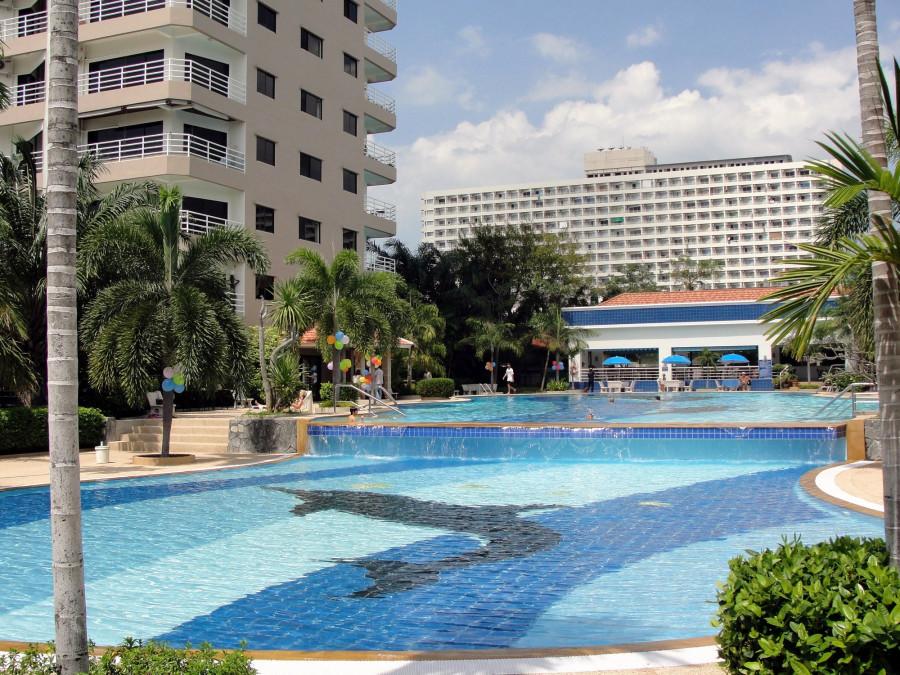 View Talay 2 pool