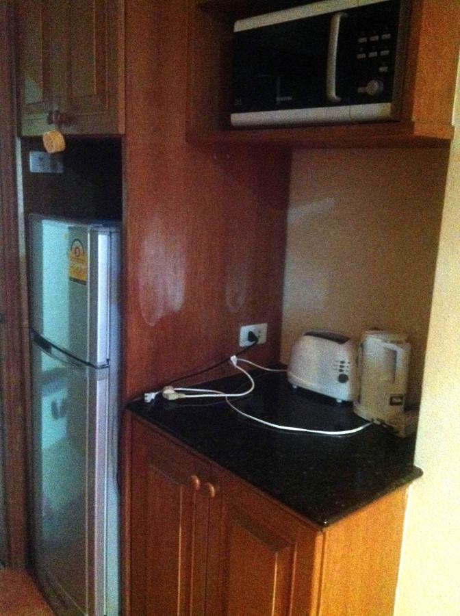 Холодильник, чайник, тостер