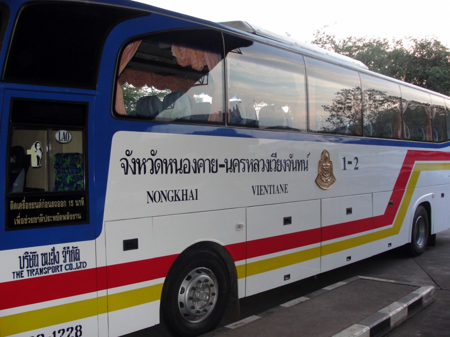 International bus Thai - Lao