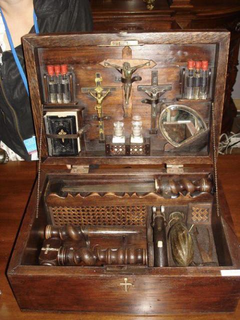 Средневековый набор для убийства вампиров, Как убить вампира, Колья