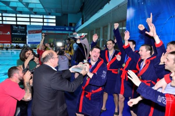 спартак-волгоград выиграл кубок европы по водному поло