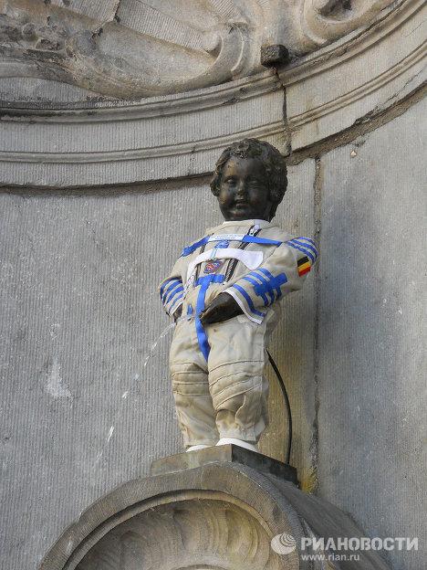 Писующий мальчик, Бельгия, День космонавтики, Новые идеи, Памятники Бельгии