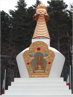 Stupa-statue