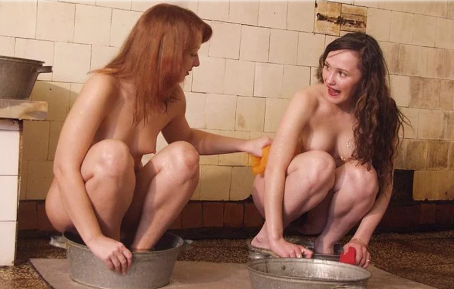 Порнуха подглядывание в женской бани