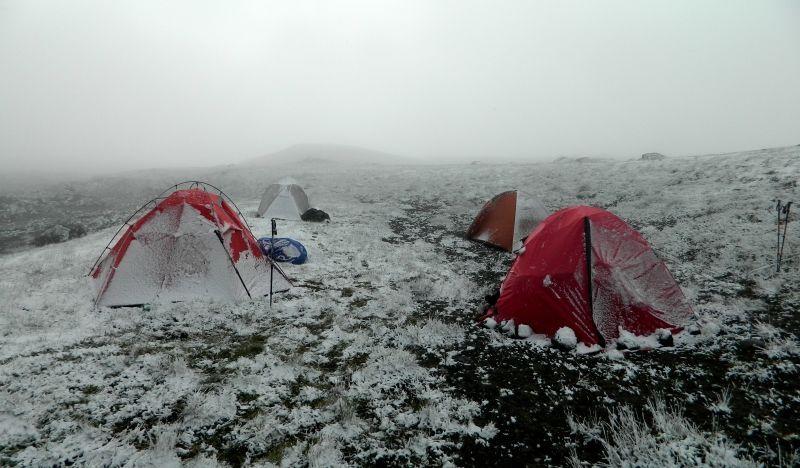 01. Палатки под снегом.JPG