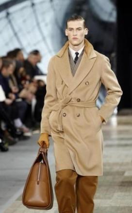 cappotto-color-cammello-louis-vuitton