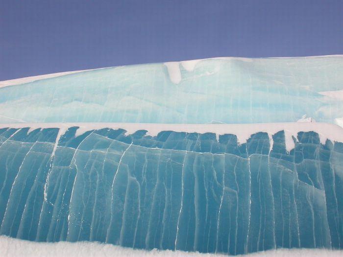 Застывшие ледяные волны 1