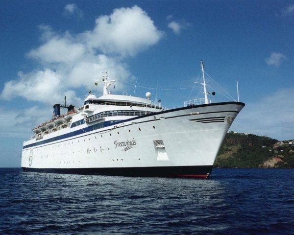 Красавец корабль Фривиндс (Freewinds)