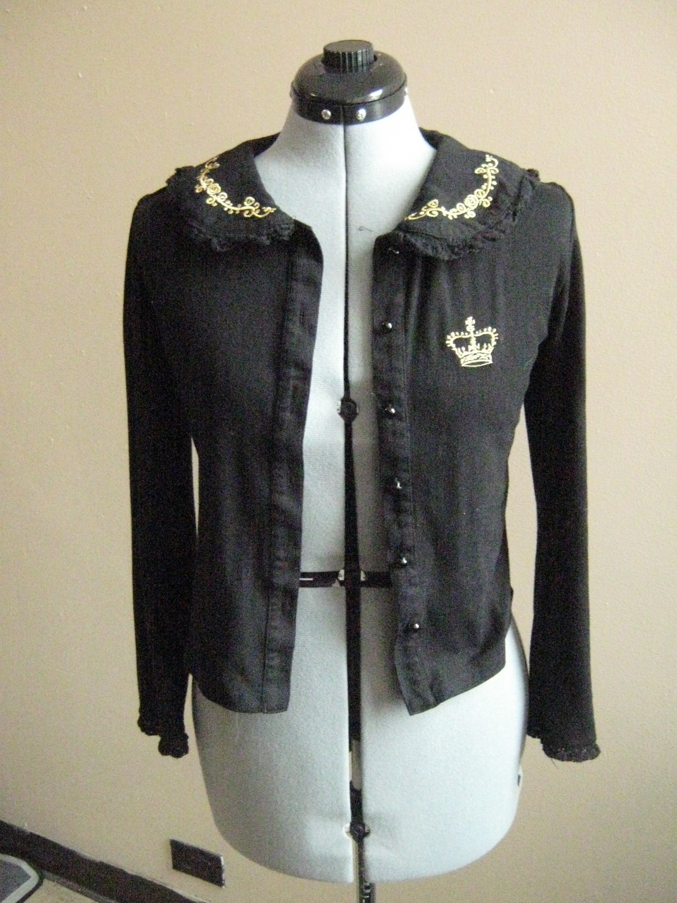 Crown Embroidery Cardigan