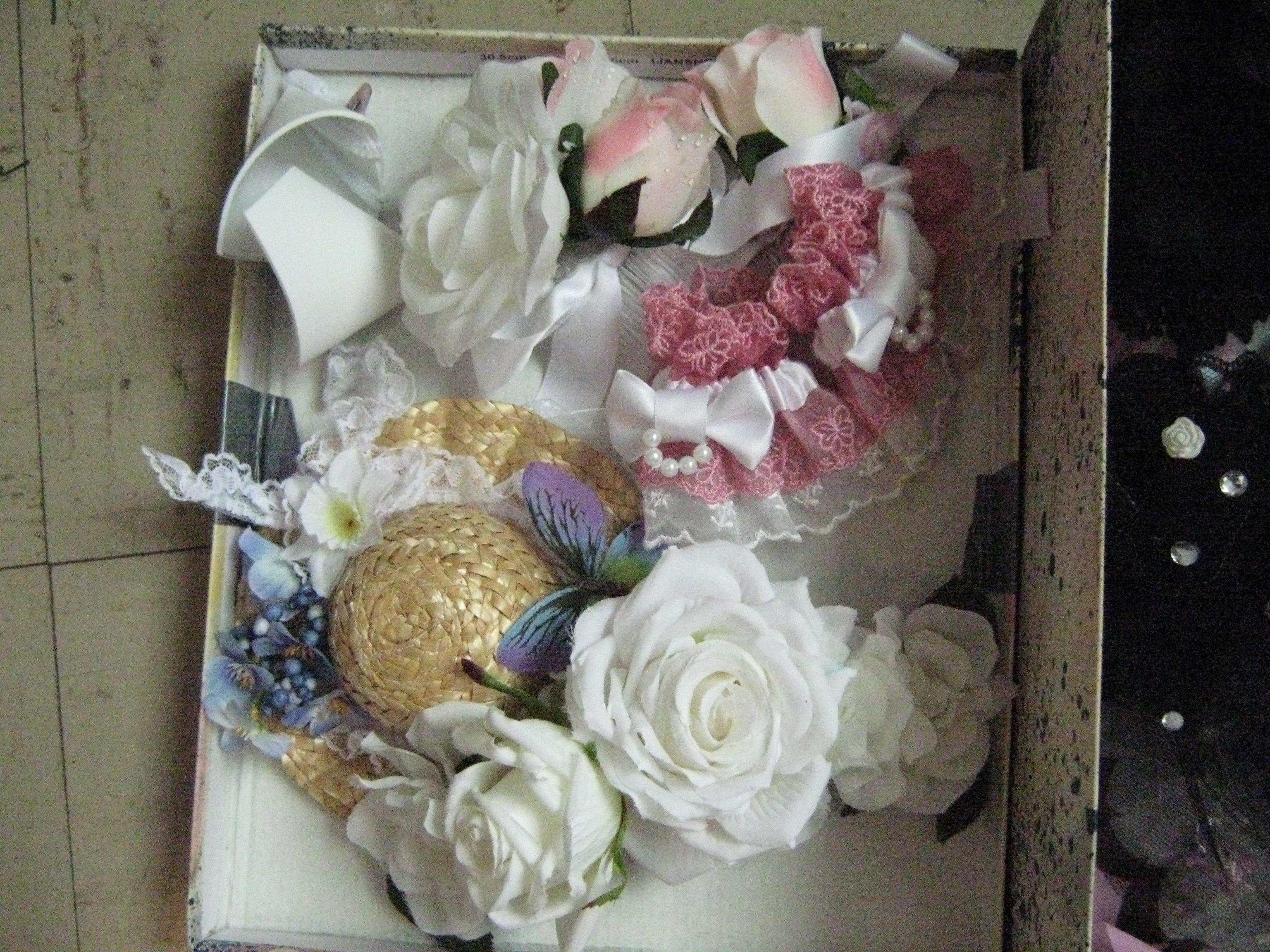White/Pink Accessories