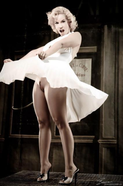 Фото женщины в прозрачном платье фото 412-571