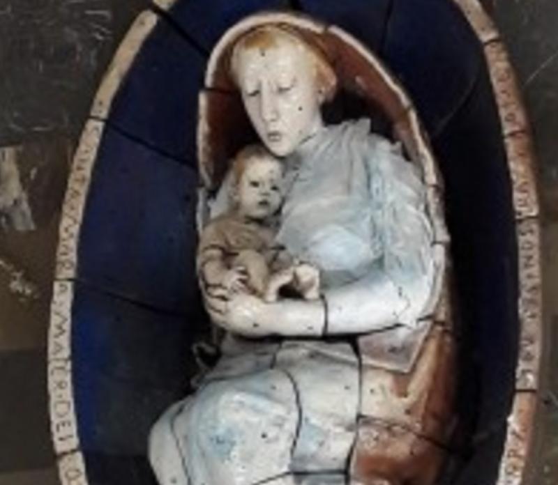 Кураев опубликовал фото «поврежденнной статуи», которая в настоящее время находится в процессе реставрации