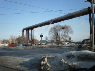 Трубы над перекрёстком улиц Ген.Черняховского и Ракитная