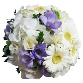 свадебный букет из гортензии, фрезий, гербер и роз