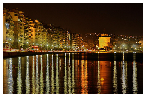 1330015623-10_thessaloniki_at_night