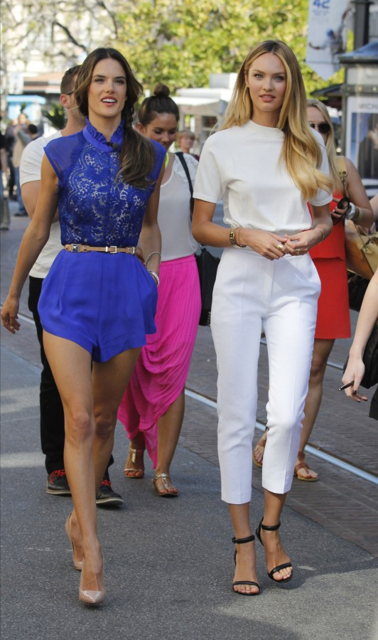 how-to-wear-white-pants-candice-swanepoel-fa-main