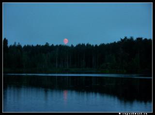 Багровая луна