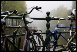 Велостояночка на мосту