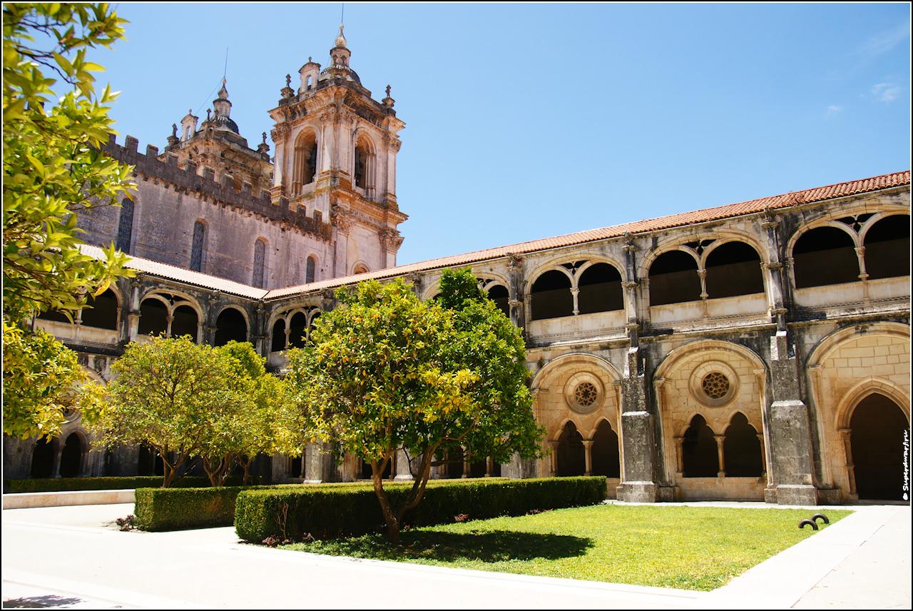 Mosteiro de Santa Maria de Alcobaça. Внутренний сад.
